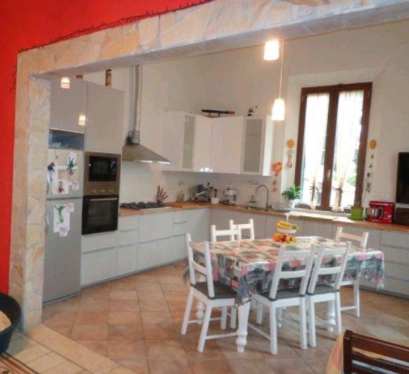 Villa vendita SAN GIULIANO TERME (PI) - 5 LOCALI - 130 MQ