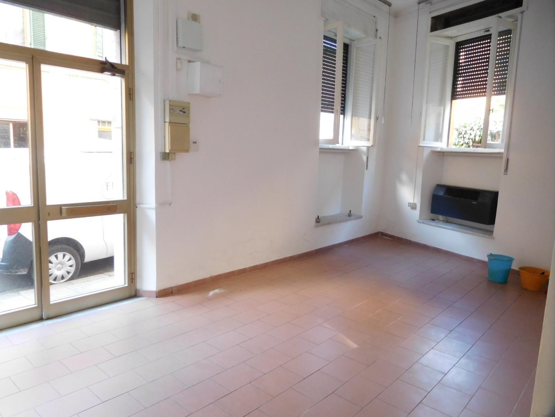 Negozio Affitto PISA Mq 52 euro 650
