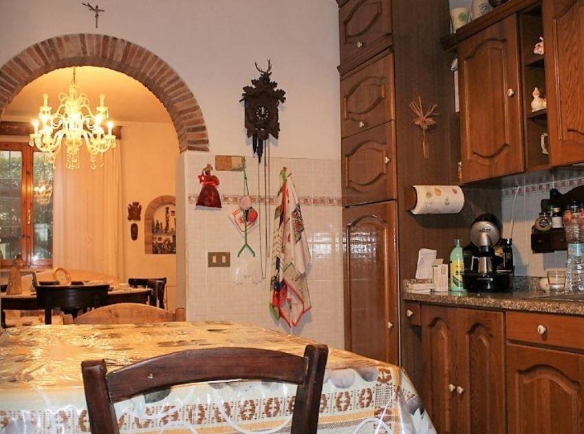vendita appartamento pisa   198000 euro  4 locali  90 mq