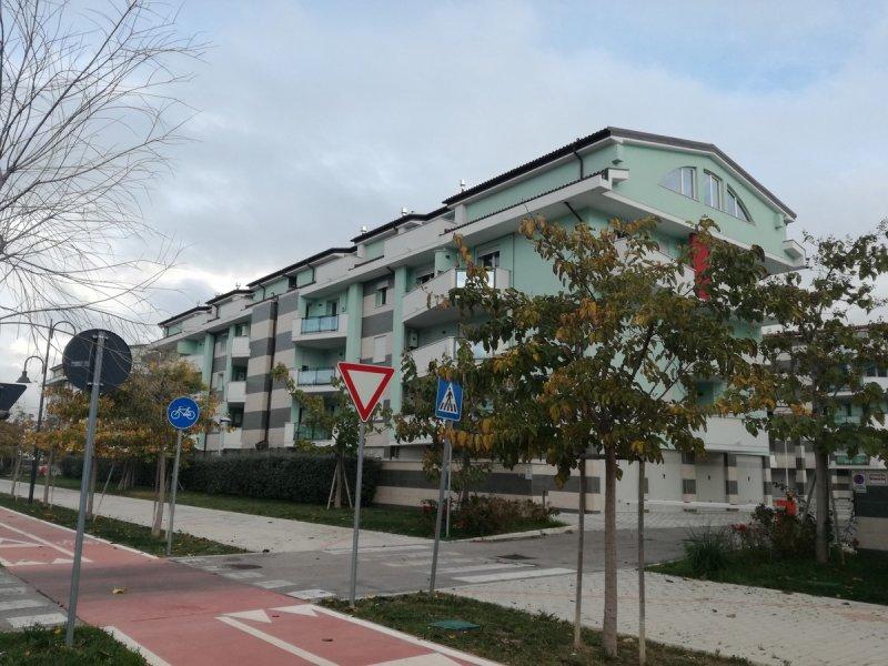 vendita appartamento città sant'angelo   105000 euro  3 locali  65 mq