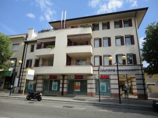 Appartamento in vendita a Pordenone, 4 locali, zona Zona: Semicentro, prezzo € 290.500 | Cambio Casa.it