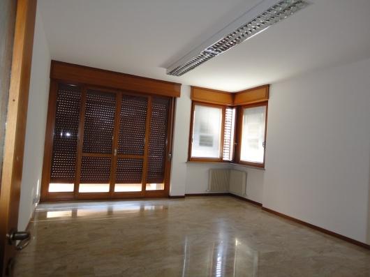 Ufficio / Studio in affitto a Pordenone, 9999 locali, zona Zona: Semicentro, prezzo € 600 | Cambio Casa.it