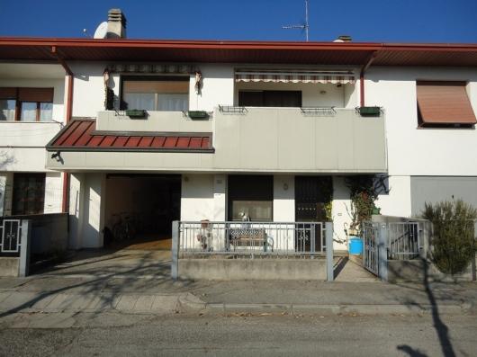 Villa a Schiera in vendita a Vajont, 3 locali, prezzo € 160.000 | Cambio Casa.it