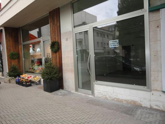 Negozio in Affitto a Pordenone