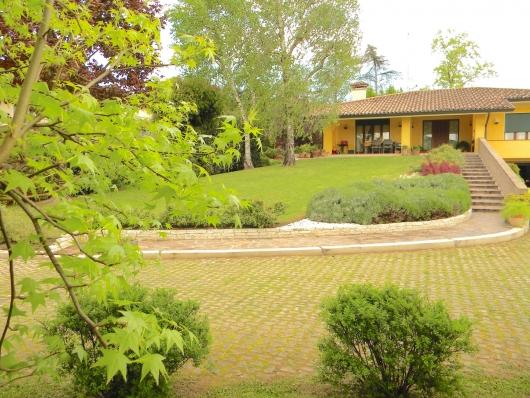 Villa in vendita a Salgareda, 5 locali, Trattative riservate | Cambio Casa.it