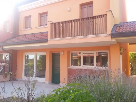 Villa a Schiera in vendita a Salgareda, 4 locali, prezzo € 170.000 | Cambio Casa.it