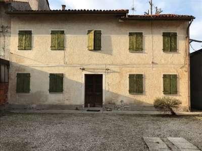 Rustico - Cascina PORDENONE vendita  CENTRO  Agente Immobiliare Bruno Bari