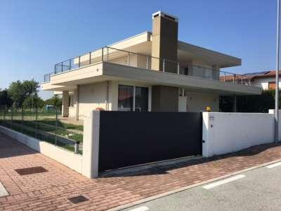 villa roveredo in piano vendita    agente immobiliare bruno bari