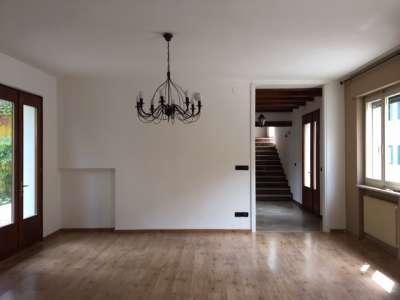 Rustico - Cascina ROVEREDO IN PIANO vendita    Agente Immobiliare Bruno Bari