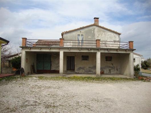 Cascina/casale vendita MONTESCUDO (RN) - 4 LOCALI - 600 MQ