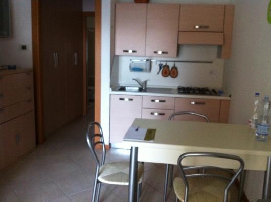 Immobile Turistico in affitto a Rimini, 2 locali, zona Zona: Miramare, prezzo € 1.200 | Cambio Casa.it