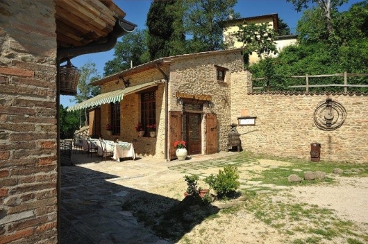 Attività / Licenza in vendita a Urbino, 9999 locali, prezzo € 750.000 | Cambio Casa.it
