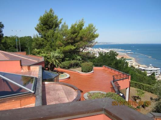 Villa vendita GABICCE MARE (PU) - 5 LOCALI - 1000 MQ