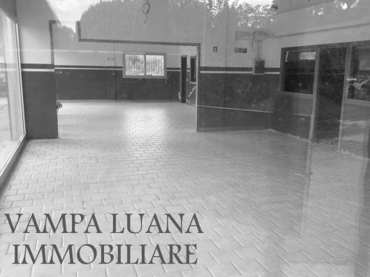 Capannone in affitto a San Clemente, 9999 locali, prezzo € 1.800 | Cambio Casa.it