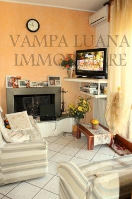 Appartamento in vendita a Monte Colombo, 3 locali, zona Zona: Osteria Nuova, prezzo € 163.000 | Cambio Casa.it