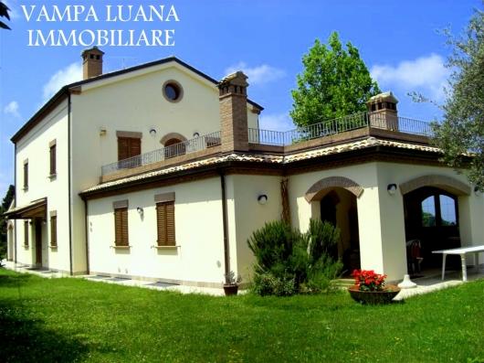 Villa vendita PESARO (PU) - 7 LOCALI - 550 MQ