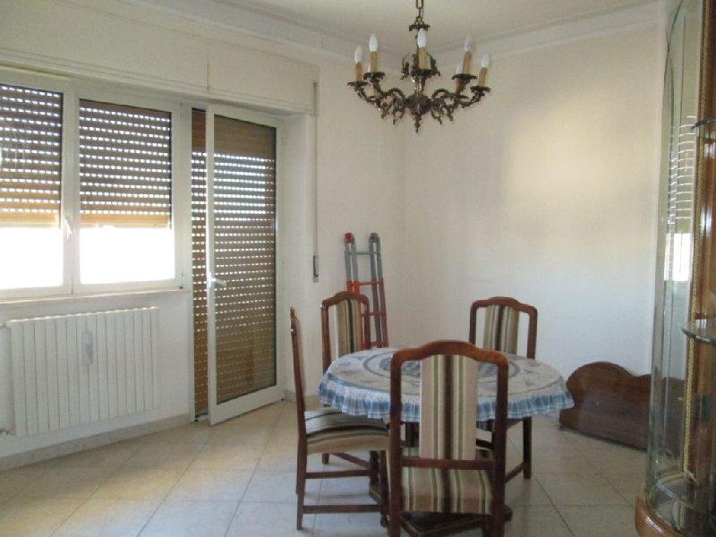 Appartamento in vendita a Corato, 3 locali, prezzo € 58.000 | CambioCasa.it