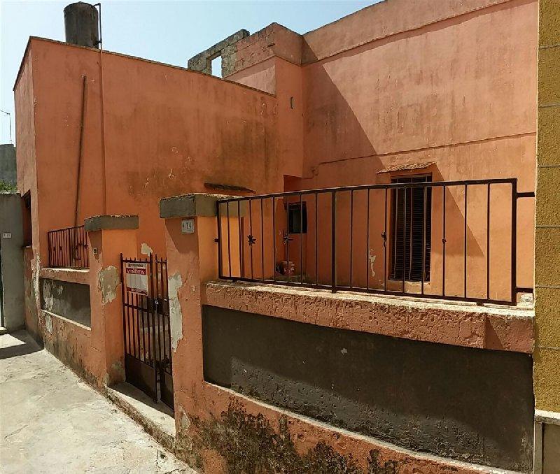 Soluzione Indipendente in vendita a Ugento, 3 locali, prezzo € 45.000 | CambioCasa.it