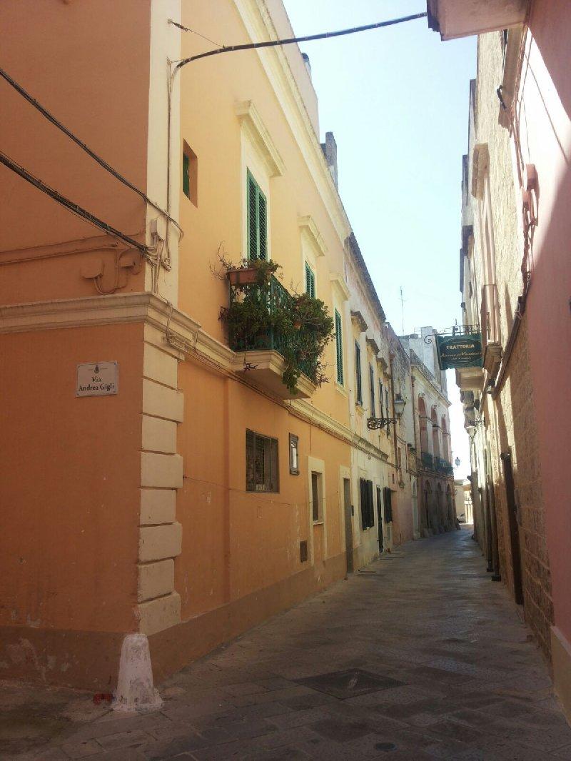 Palazzo / Stabile in Vendita a Ugento