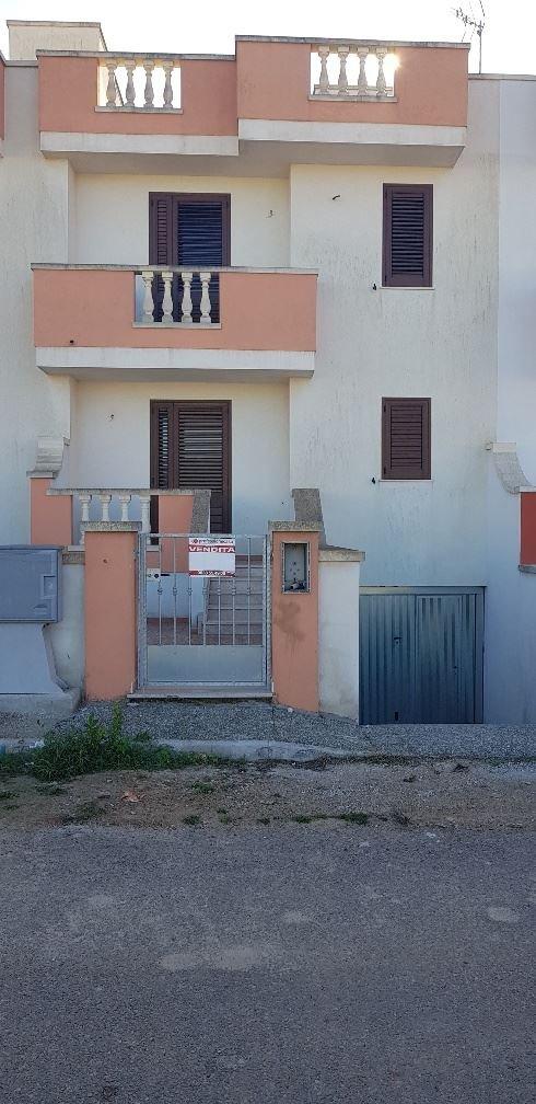 Soluzione Indipendente in vendita a Ugento, 5 locali, prezzo € 110.000 | CambioCasa.it