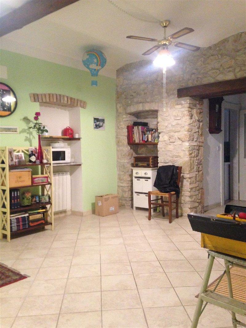 Soluzione Indipendente in vendita a Terni, 3 locali, prezzo € 115.000 | Cambio Casa.it