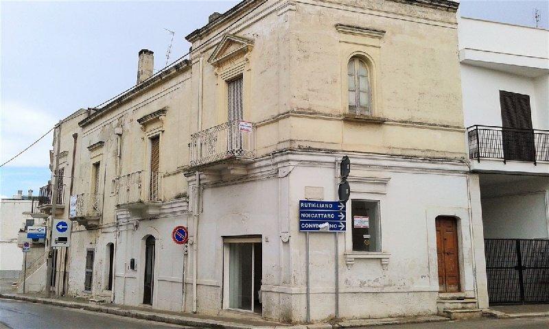 Soluzione Indipendente in vendita a Cellamare, 6 locali, prezzo € 145.000 | CambioCasa.it