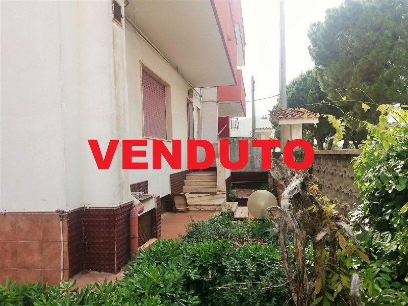 Villa in vendita a Cellamare, 5 locali, prezzo € 200.000 | Cambio Casa.it