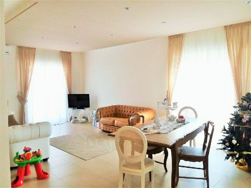 Appartamento in vendita a Capurso, 4 locali, prezzo € 178.000 | CambioCasa.it