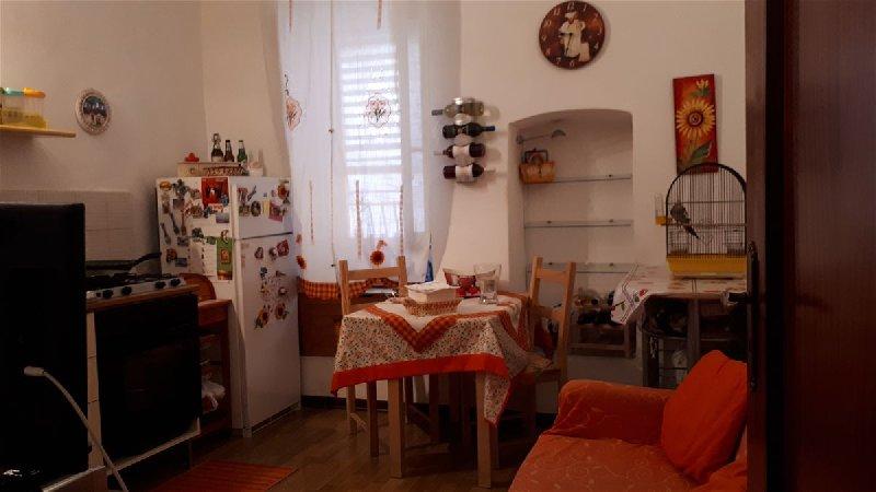 Soluzione Indipendente in vendita a Capurso, 2 locali, prezzo € 90.000   CambioCasa.it