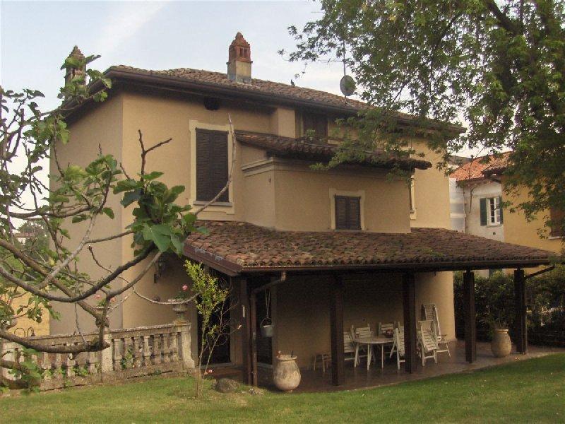 Casa Indipendente vendita MERATE (LC) - 99 LOCALI - 245 MQ