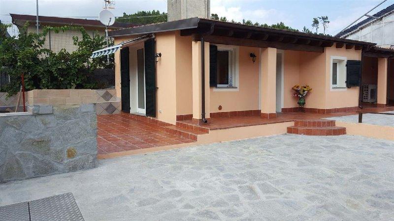 Soluzione Indipendente in vendita a Cisano sul Neva, 3 locali, prezzo € 200.000 | CambioCasa.it