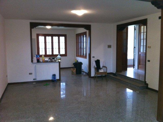 Soluzione Indipendente in vendita a Cavallino-Treporti, 7 locali, prezzo € 350.000 | CambioCasa.it