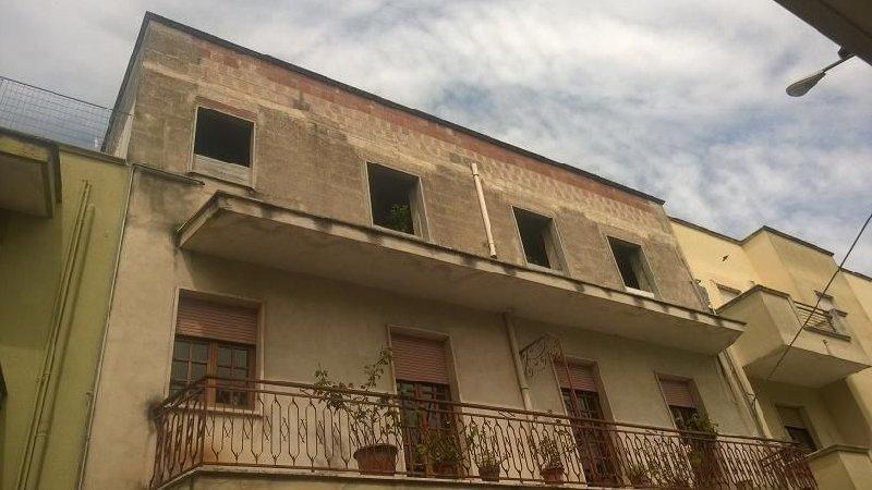 Appartamento vendita FRANCAVILLA FONTANA (BR) - 6 LOCALI - 180 MQ