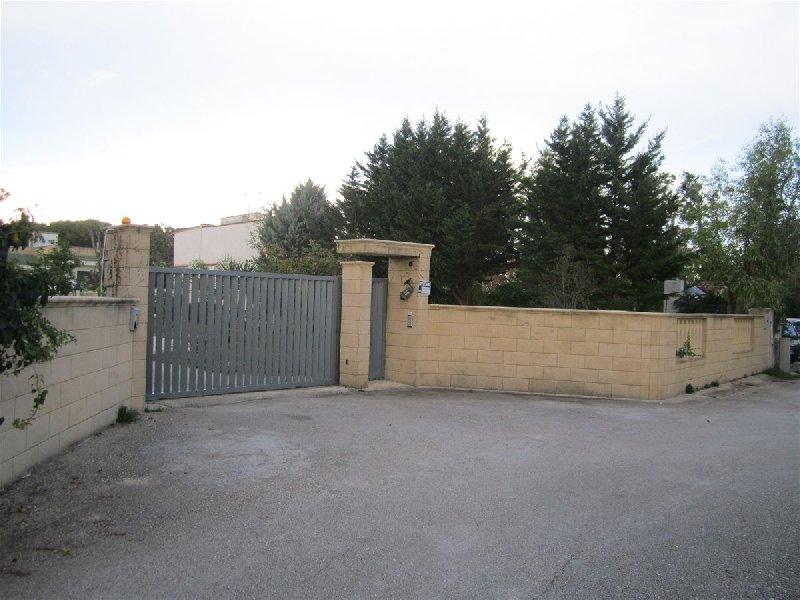 Villa vendita FRANCAVILLA FONTANA (BR) - 7 LOCALI - 350 MQ
