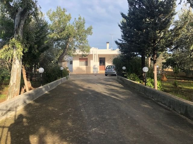 Casa Indipendente vendita FRANCAVILLA FONTANA (BR) - 4 LOCALI - 140 MQ