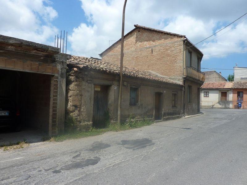 Casa Indipendente vendita SAN COSTANTINO CALABRO (VV) - 99 LOCALI - 1 MQ