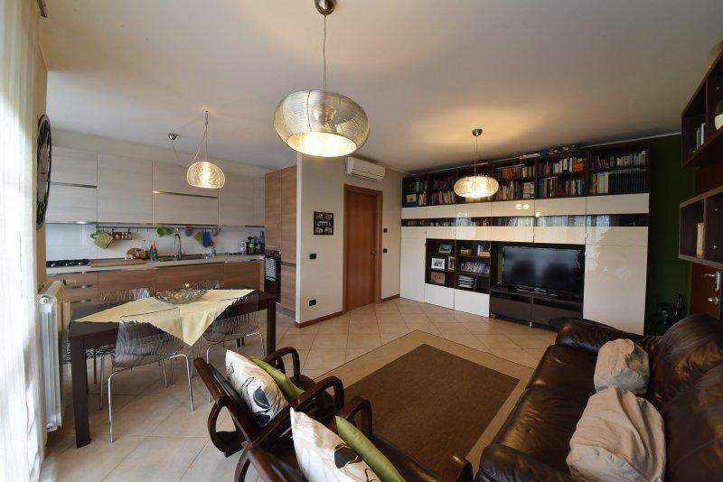 Appartamento vendita SENAGO (MI) - 3 LOCALI - 75 MQ