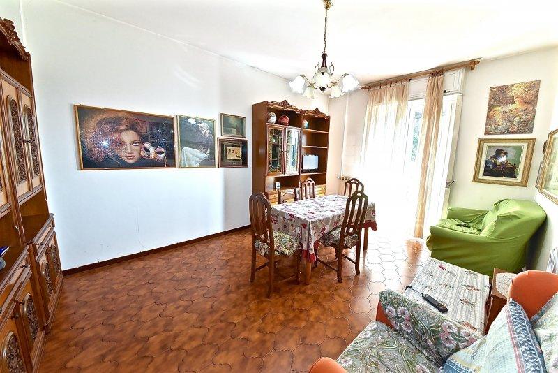 Appartamento vendita SENAGO (MI) - 2 LOCALI - 80 MQ