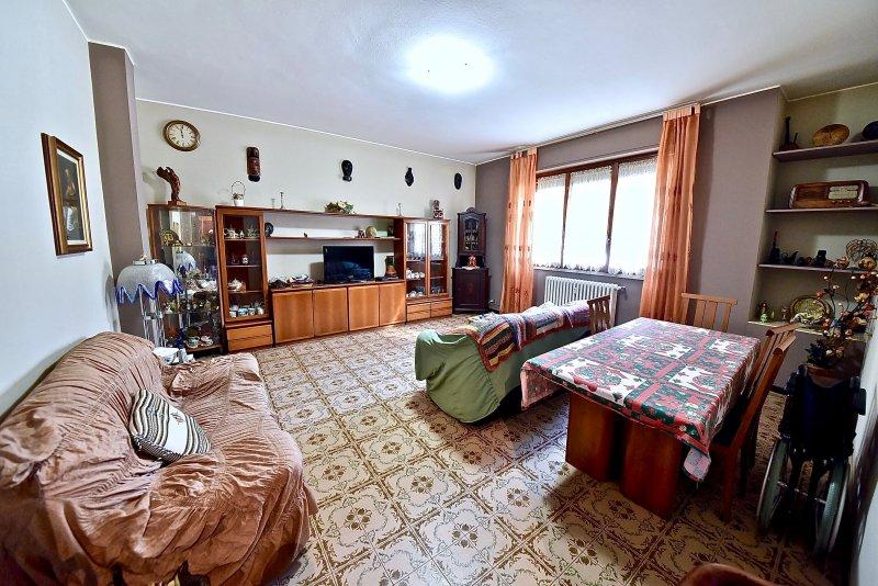 Appartamento vendita SENAGO (MI) - 4 LOCALI - 120 MQ