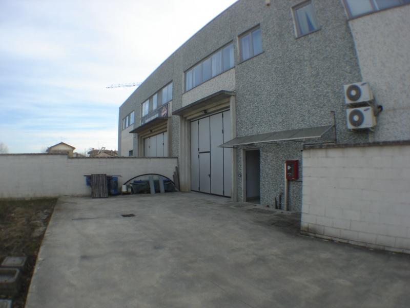 Magazzino vendita Cesate (Milano)