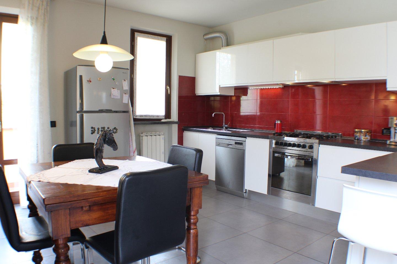 Villa vendita ALTOPASCIO (LU) - 5 LOCALI - 150 MQ