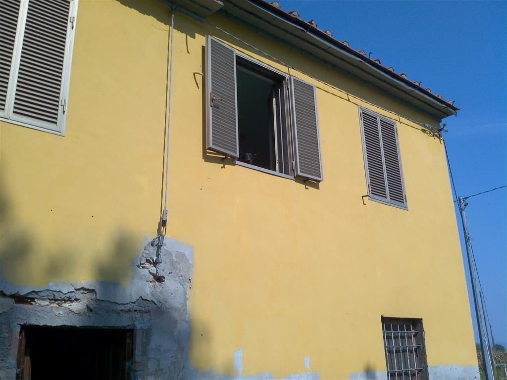 Cascina/casale vendita ALTOPASCIO (LU) - 5 LOCALI - 200 MQ