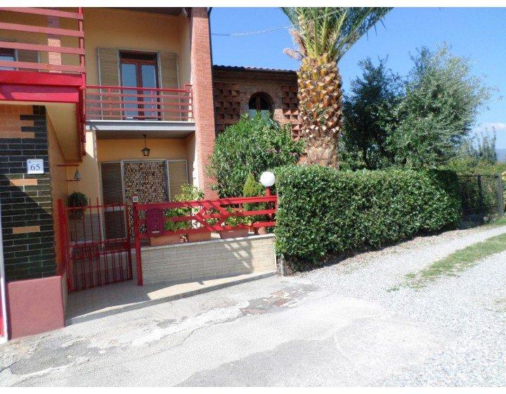 Villa vendita MONTECARLO (LU) - 3 LOCALI - 130 MQ