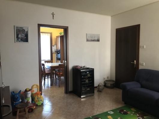 Appartamento in vendita a Salgareda, 3 locali, prezzo € 115.000   CambioCasa.it
