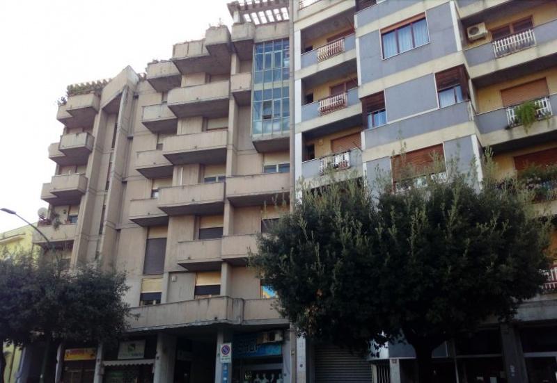 Appartamento in vendita a Benevento, 8 locali, prezzo € 165.000 | CambioCasa.it