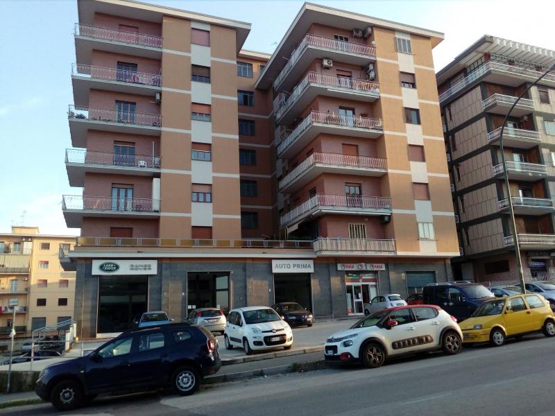 Appartamento in affitto a Benevento, 7 locali, prezzo € 500 | CambioCasa.it