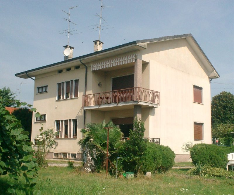 Appartamento in vendita a Fenegrò, 3 locali, prezzo € 185.000 | PortaleAgenzieImmobiliari.it
