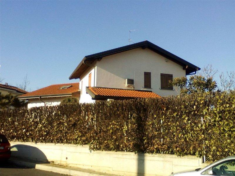 Villa in vendita a Fenegrò, 4 locali, prezzo € 420.000 | PortaleAgenzieImmobiliari.it
