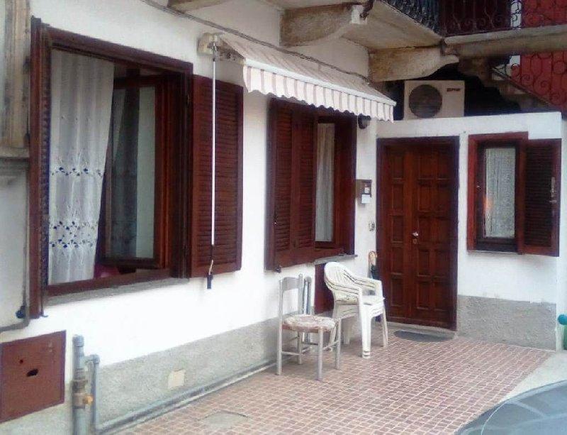 Appartamento in vendita a Rovellasca, 3 locali, prezzo € 100.000 | PortaleAgenzieImmobiliari.it