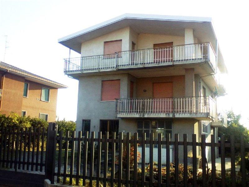 Soluzione Indipendente in vendita a Rovellasca, 6 locali, prezzo € 235.000 | PortaleAgenzieImmobiliari.it